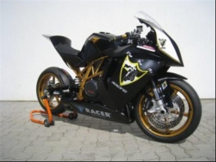 studyjne motocykl na stojaku