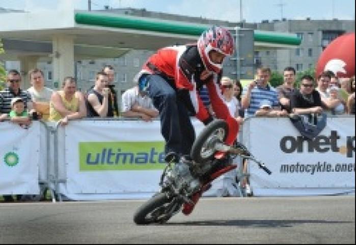 how low can you go - Motocyklowa Niedziela na BP w Warszawie 2011
