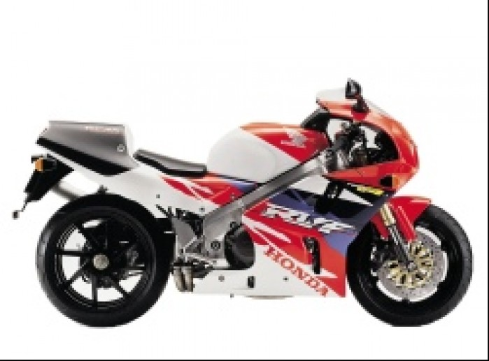4.Honda RC45
