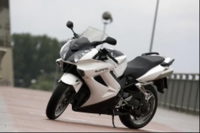 motocykl vfr 800 2009 honda test b mg 0043