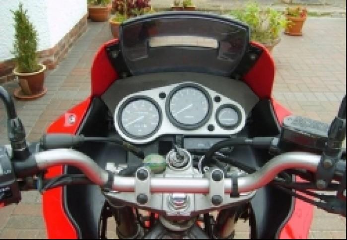 Yamaha TDM 850 kokpit