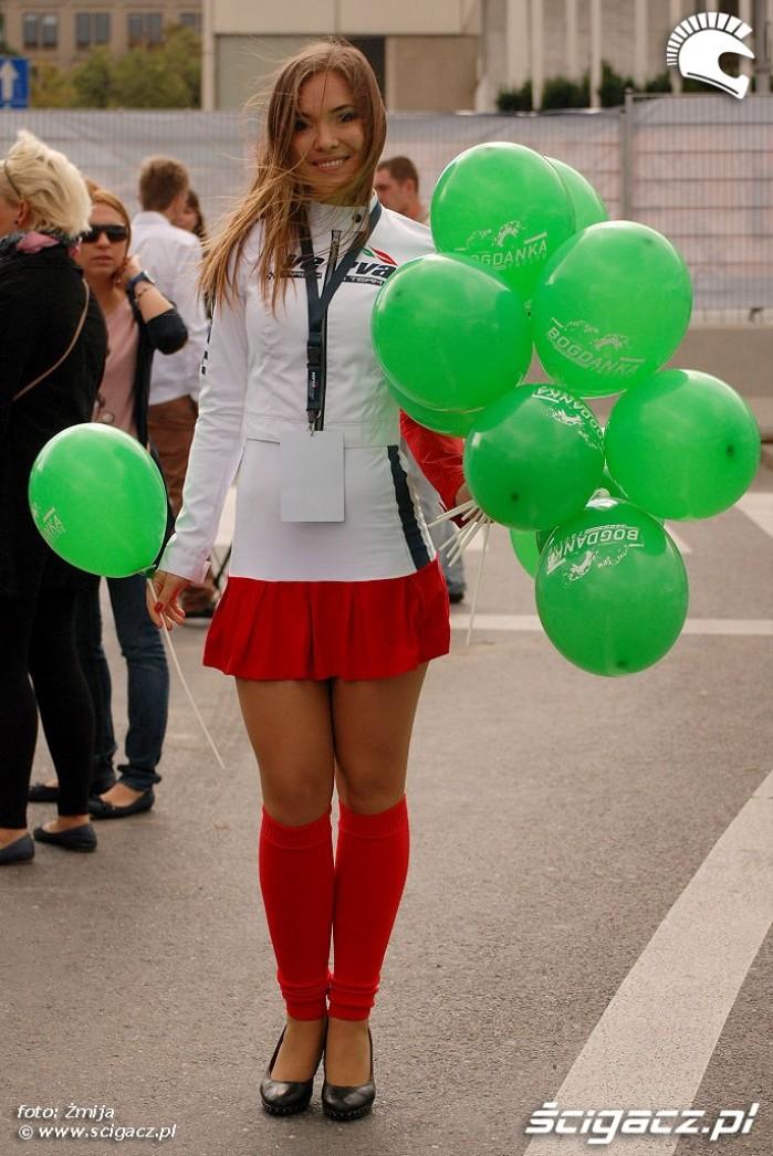 Dziewczyna z balonikami