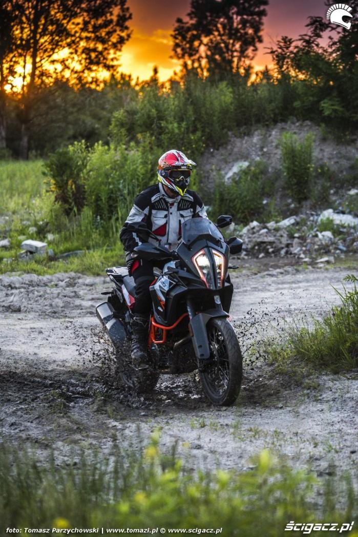 21 KTM Super Adventure R offroad 25