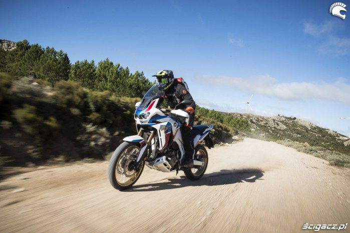 africa twin 1100 adventure sports testuje barry