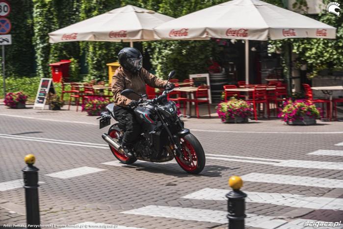 03 2021 Yamaha MT 09 na ulicy