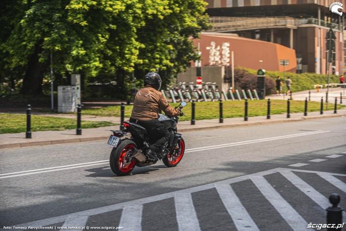 04 2021 Yamaha MT 09 jazda