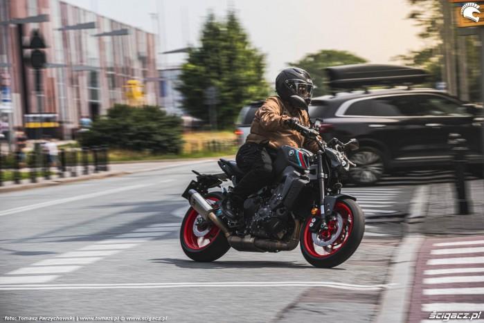 06 2021 Yamaha MT 09 Wojtek Grzesiak