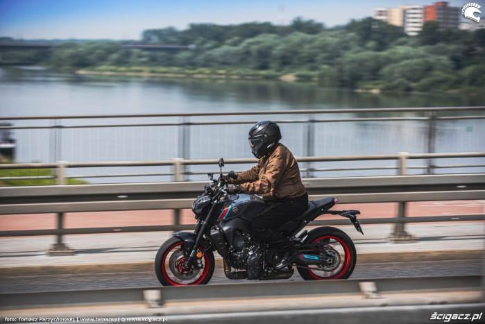 08 2021 Yamaha MT 09 nad wisla