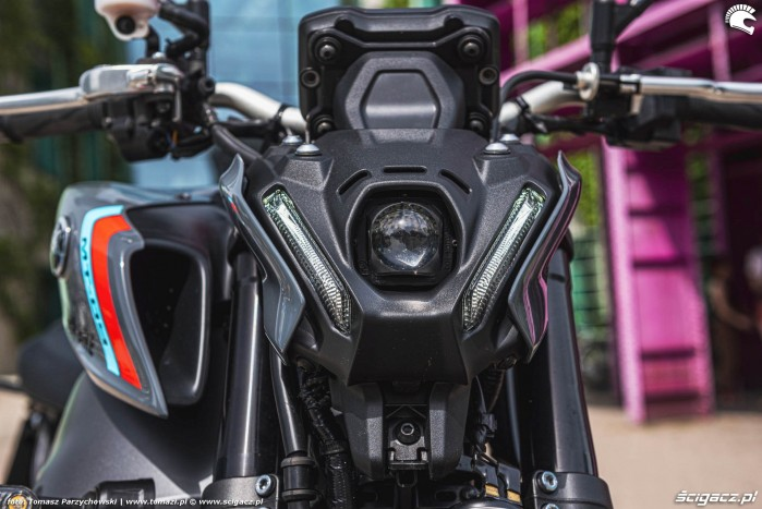 18 2021 Yamaha MT 09 reflektor