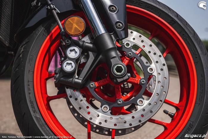 21 2021 Yamaha MT 09 hamulec