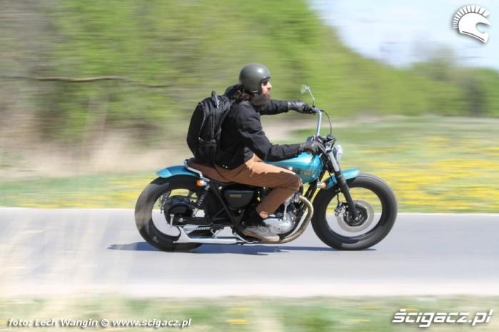 03 Kawasaki W 650 Flying Duxe dynamika