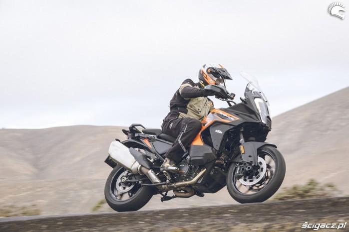 07 KTM 1290 Super Adventure S dynamicznie