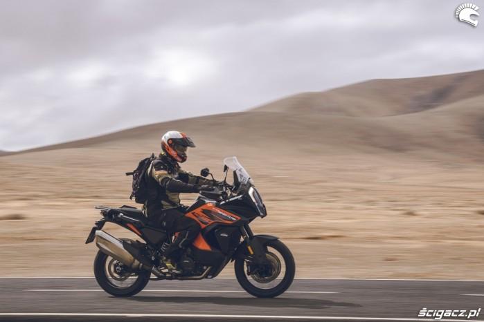 09 KTM 1290 Super Adventure S Lowca asfalt