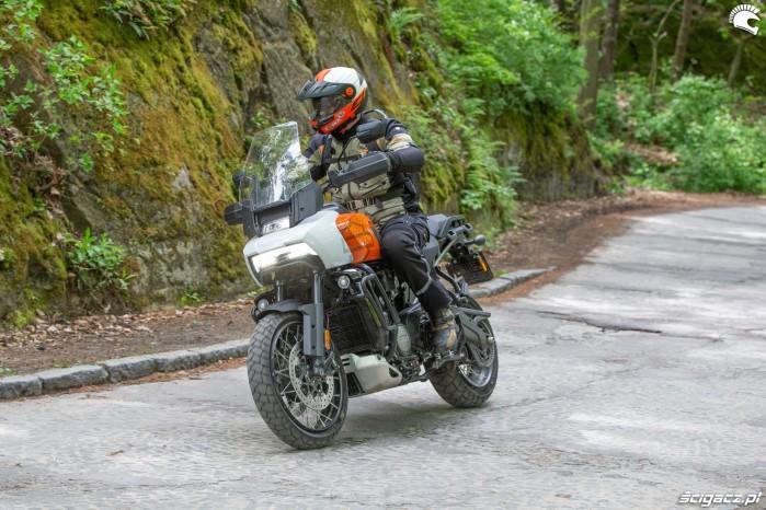 04 Harley Davidson 1250 Pan America 2021 w tescie