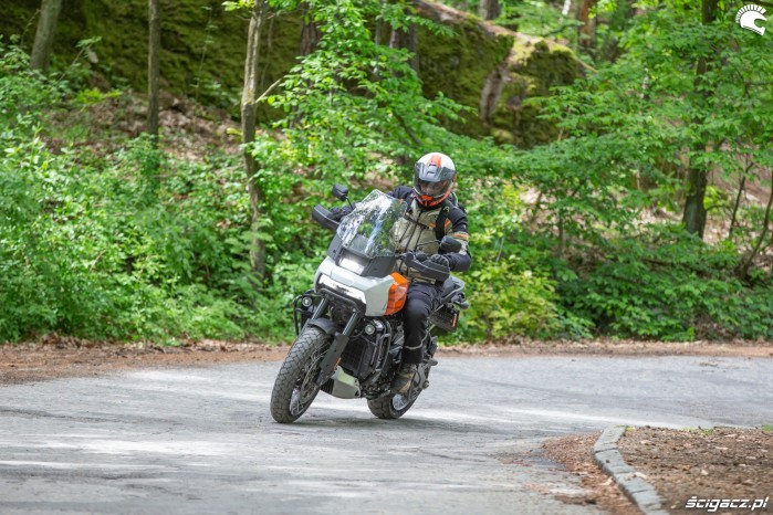 24 Harley Davidson 1250 Pan America 2021 test motocykla