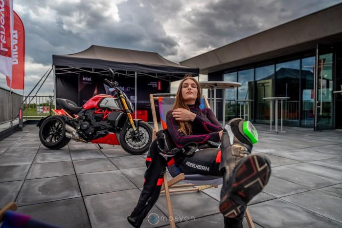06 Testy prasowe Ducati Monster 2021