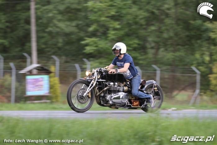 08 Triumph Bonneville America dragster jazda