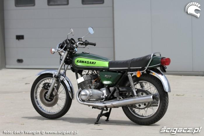 03 Kawasaki H1 Mach III Moto Ventus