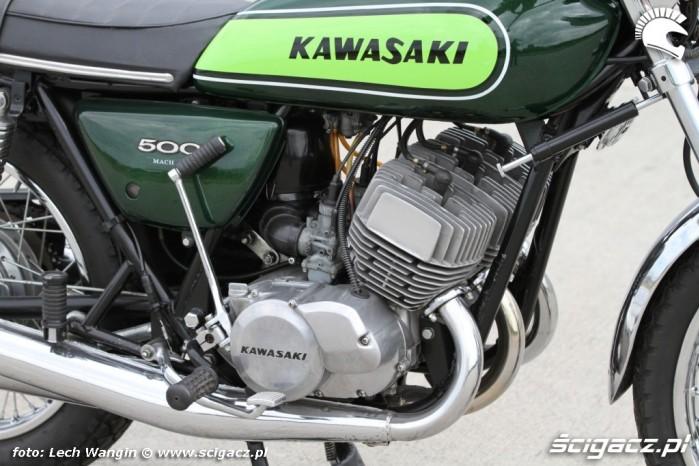 07 Kawasaki H1 Mach 3 silnik