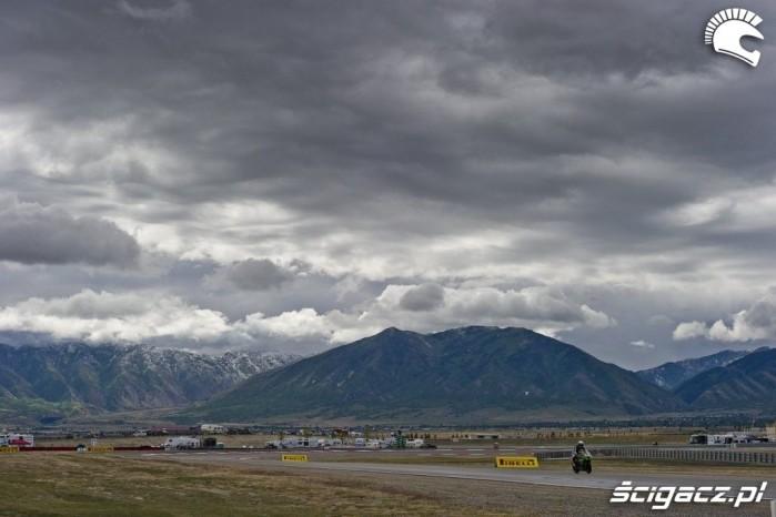 Loris Baz chmury