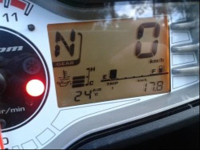 Wskazanie komputera kilometry na litrze podczas testu dynamicznego