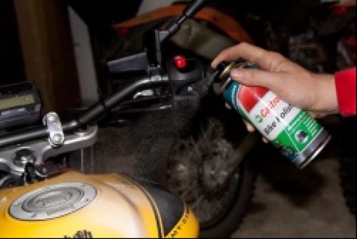 4 Preparaty do konserwacji lakieru i chromow skutecznie zapobiegaja matowieniu oraz rdzy
