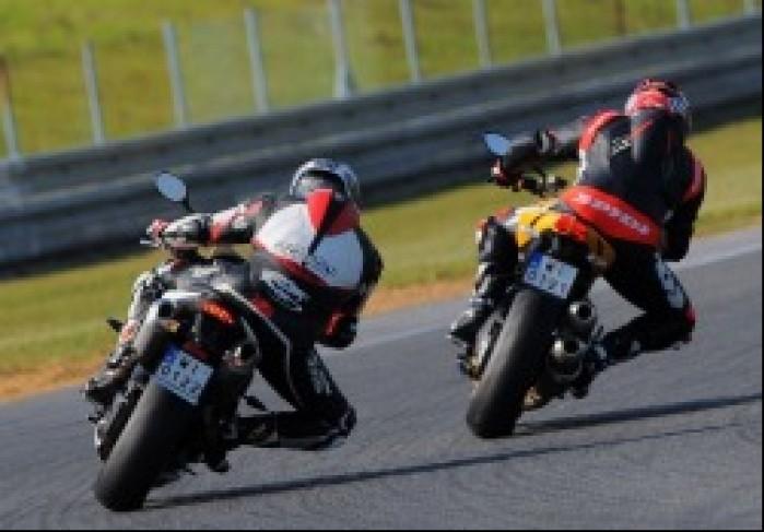 Wyjscie Triumph Speed Triple R Ducati Streetfighter 848