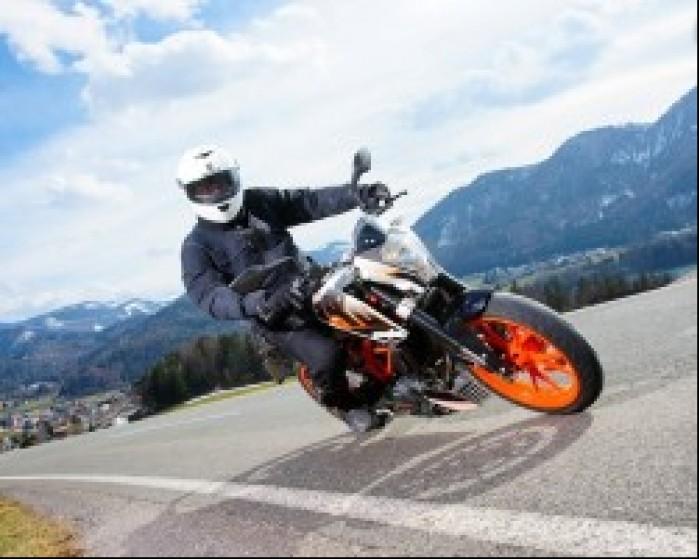KTM 390 Duke 2013 na trasie