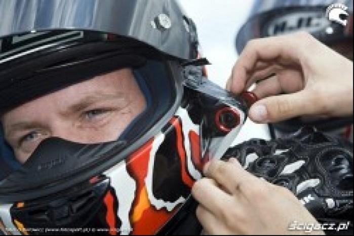 Kamera na kasku motocyklowym