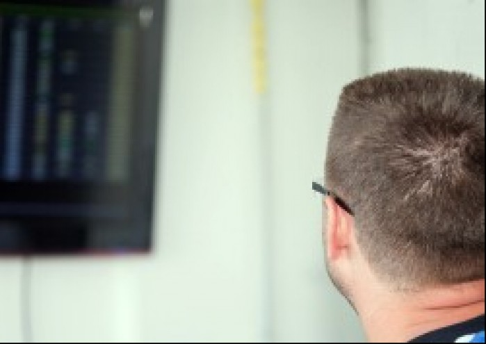 jacek grandys obserwuje wyniki wmmp tor slovakiaring 2011 h1 mg 0122
