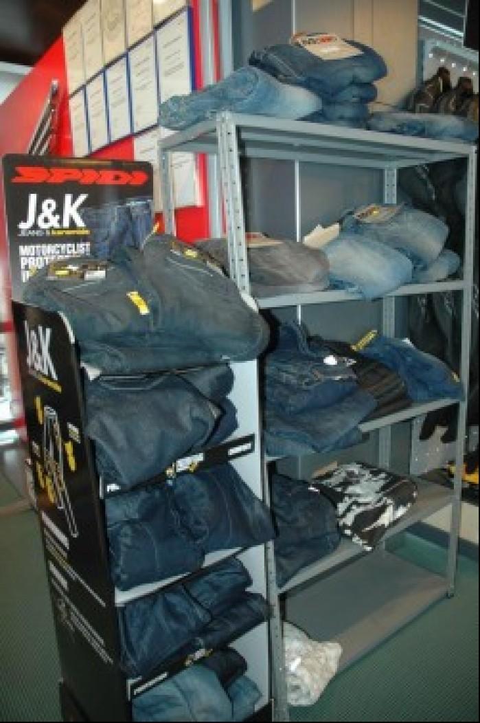 Wybor motocyklowych jeansow przyprawia dzis o zawrot glowy