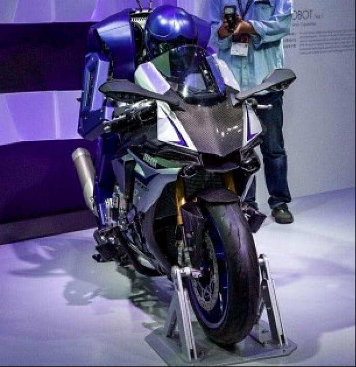 Yamaha Motobot R1 Tokyo Show targi