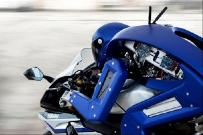 Yamaha Motobot elektronika