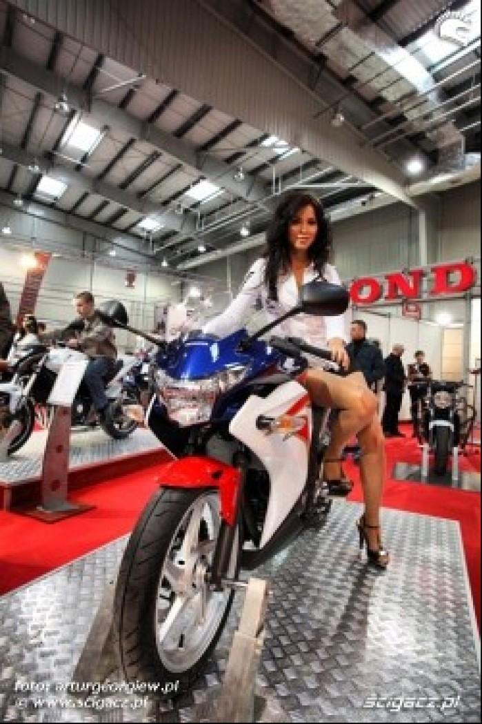 honda kobieta na cbr250 III Ogolnopolska wystawa Motocykli i Skuterow