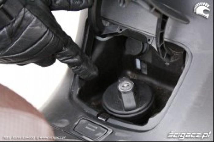 Burgman 400 Suzuki wlew paliwa