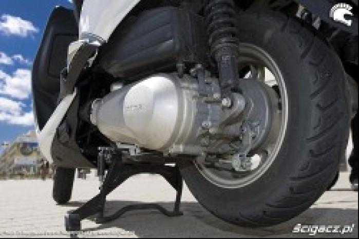 zawieszenie przekladnia lead honda 2009 skuter test d mg 0020