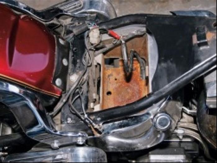 Wycieki elektrolitu prowadza nieuchronnie do korozji motocykla