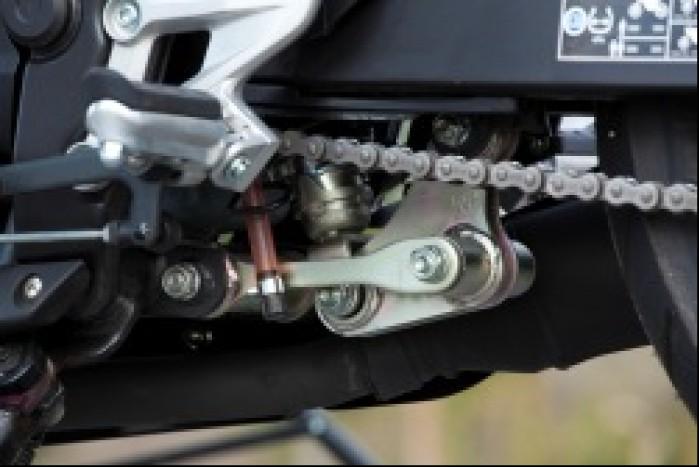 tylne zawieszenie Honda CBR250R 2011