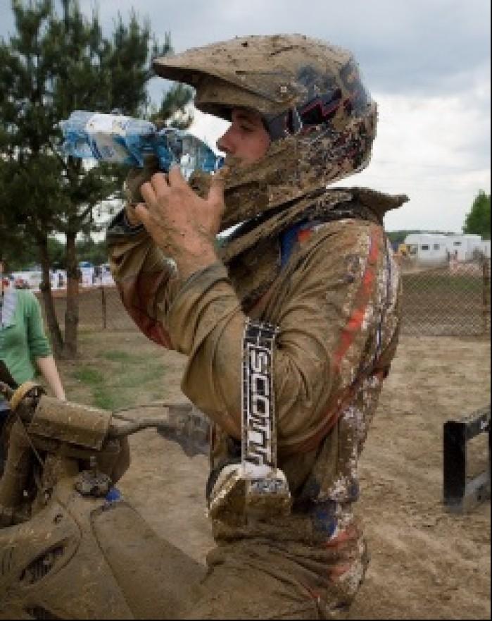 picie woda motocross mistrzostwa polski radom maj 2010 a mg 0204