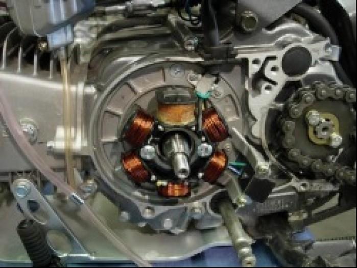 Prosty generator motocykla malej pojemnosci