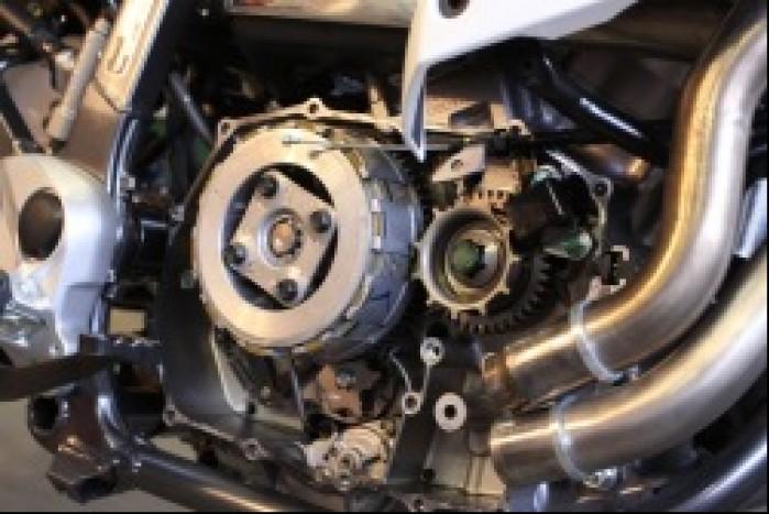 4 silnik bez pokrywy sprzegla