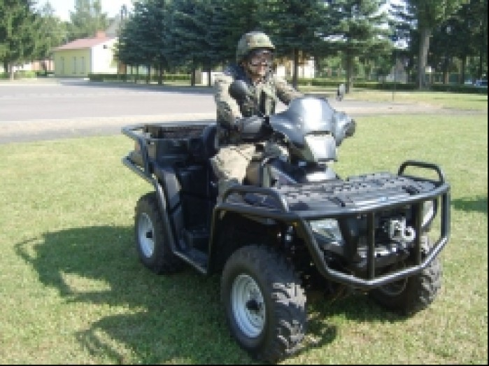 Quady w wojsku quad polaris 800