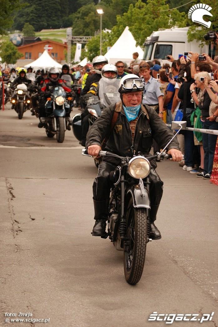 Motocykle w paradzie