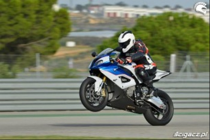 BMW S1000RR 2015 wheelie
