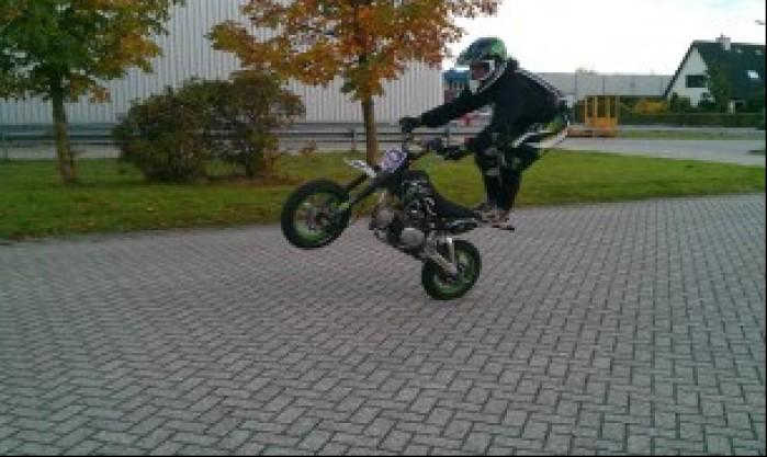 pitbike wheelie wojtas