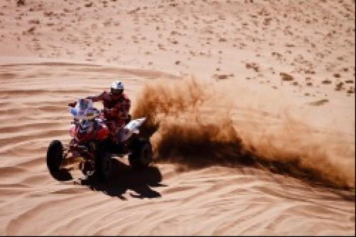 Rafal Sonik na pustyni