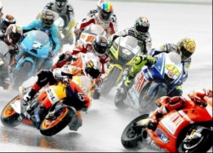 MotoGP Malezja pierwszy zakret