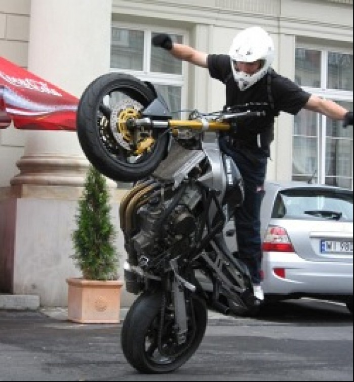 no hander wheelie LukaszFRS