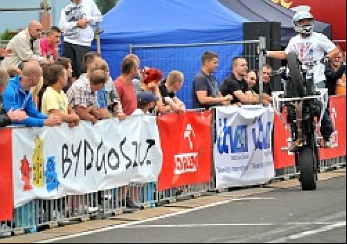 jazda na jednym kole World Stunt GP w Bydgoszczy