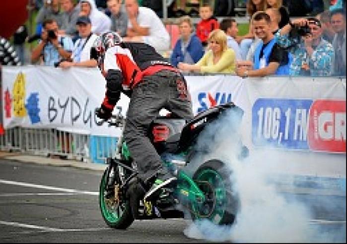 palenie gumy World Stunt GP w Bydgoszczy